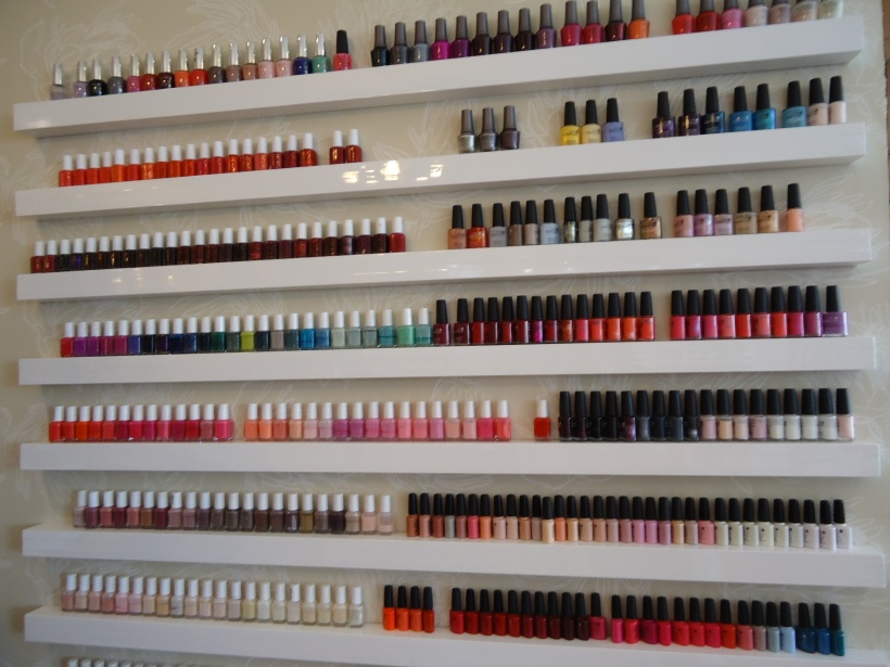 what i would do for a nail polish displayer like this