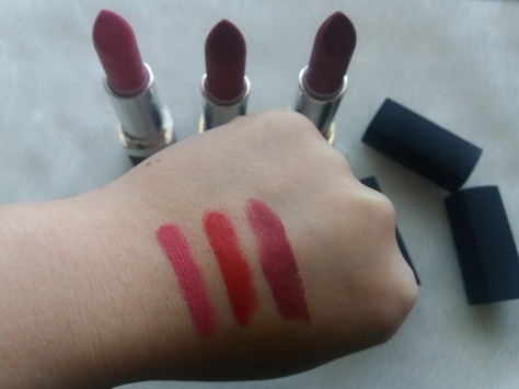 Avon perfectly matte lipstick adoring,red sup,berr